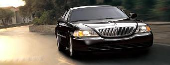 Black Lincoln Towncar limousine Sedan 2009